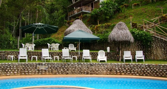 piscina-fundo-san-jose-lodge
